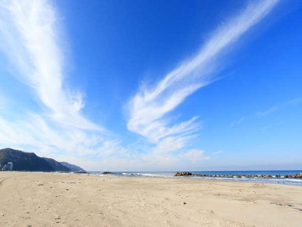 *【湯野浜海岸】雄大な日本海を眺めながらのドライブも気持ちいい♪海岸は当館から徒歩約5分です!