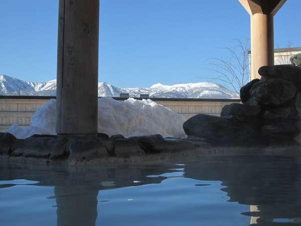 雪見風呂「見晴の湯(みはらしのゆ)」(本館内)