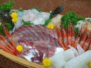 ◆クーポンで2000円引◆漁師宿の【姿盛刺身】、大漁プラン「お刺身が好きな方」2名様から姿盛をご提供