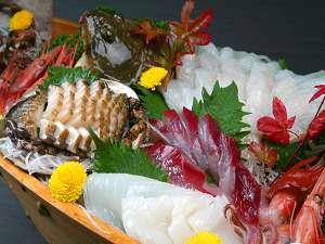 漁師宿の【姿盛刺身】、大漁プラン「お刺身が好きな方」2名様から姿盛をご提供