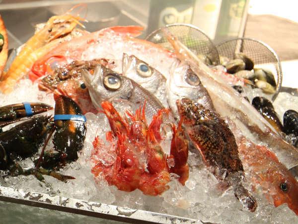 市場のように魚介を選んで、五感で楽しむChef'sマルシェディナー付