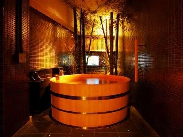 贅沢な雰囲気の貸切風呂