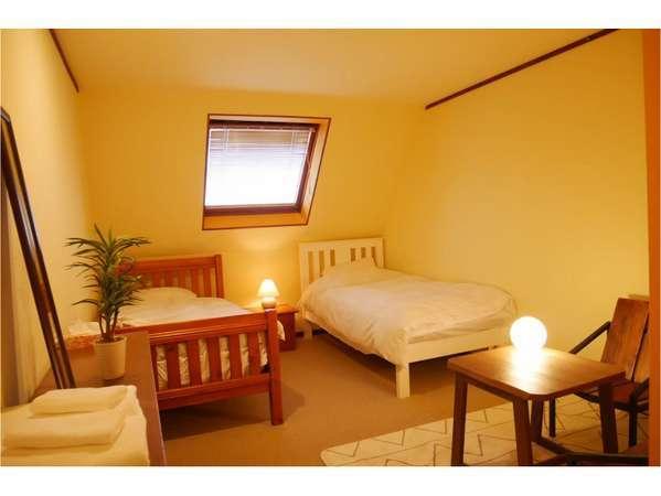 6室ある寝室は、全室トイレ・バス完備。和室2室、洋室3室、2段ベッドのキッズルーム1室です。