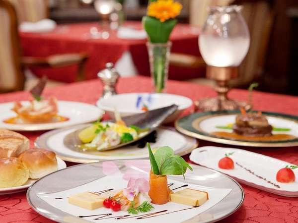 【クラシック・プレミアム】☆「メインダイニング」でのフランス料理ディナー☆朝食付き☆