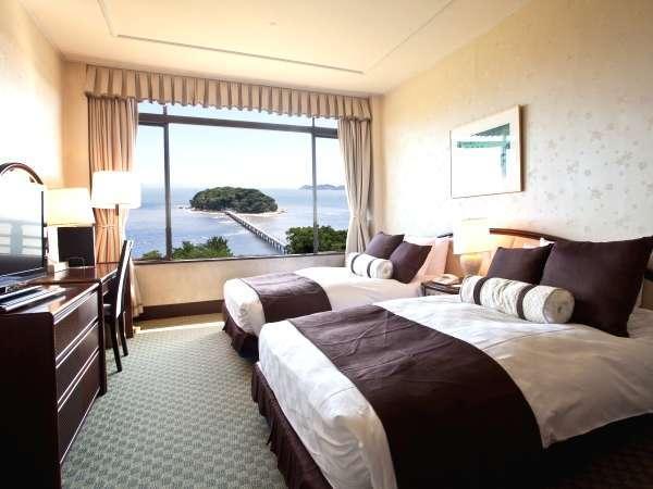 三河湾と竹島を眺めるオーシャンビューデラックスツイン(ベッドルーム) 写真提供:じゃらんnet