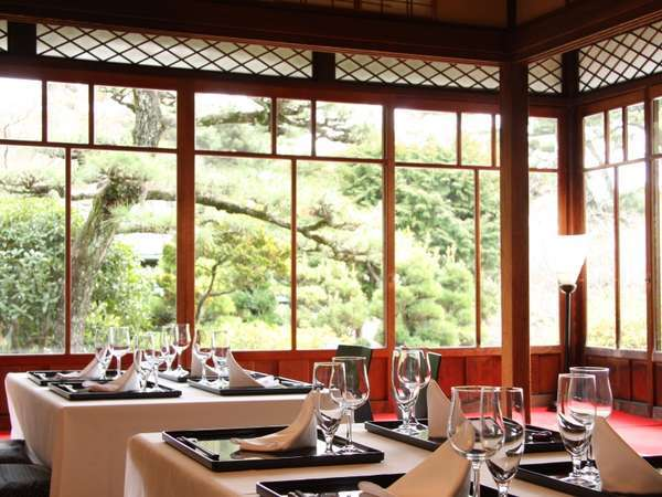 竹島の和風建築の空間で会席料理 写真提供:じゃらんnet