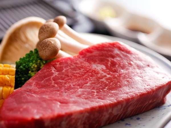 """【極・飛騨牛祭】最上級A5!極上ヒレ肉""""シャトーブリアン""""をステーキで〜肉汁溢れる至福の味わい♪"""