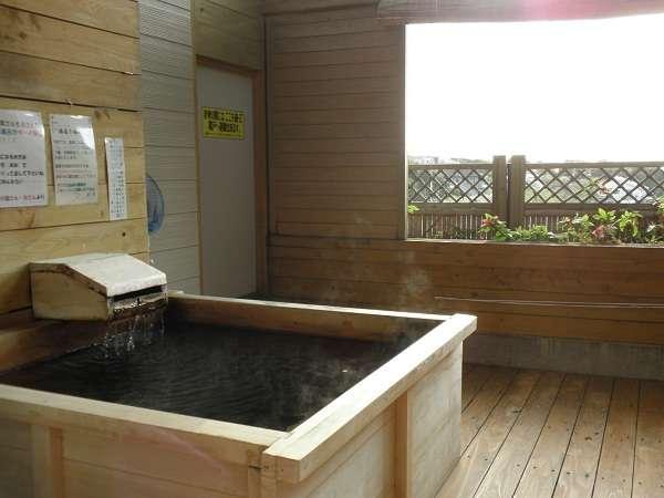 天然温泉掛け流しの客室露天風呂