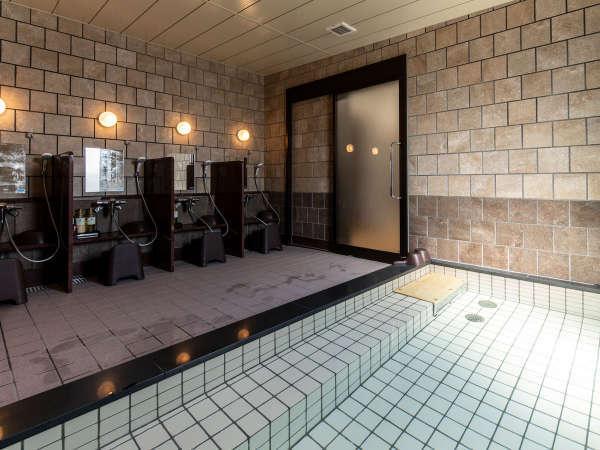 1階には宿泊者様専用の男女別浴場も完備!