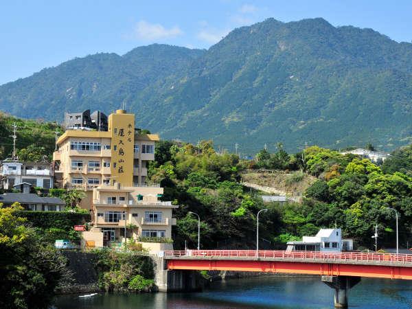 ホテル 屋久島山荘の外観