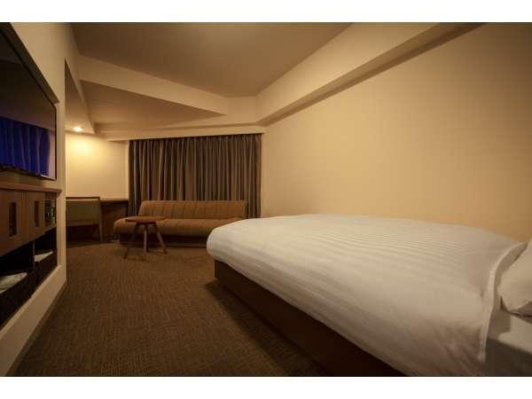 ◆【禁煙デラックスダブル】広さ 25平米 シモンズ社製ベッド(140×195㎝)TV43inch