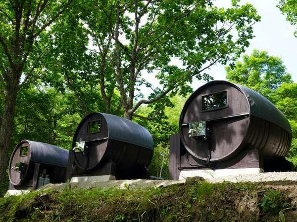 8000Lの大樽を3樽。主に池田町産ブドウの熟成樽として使用していました。ワインの香りが斬新です。