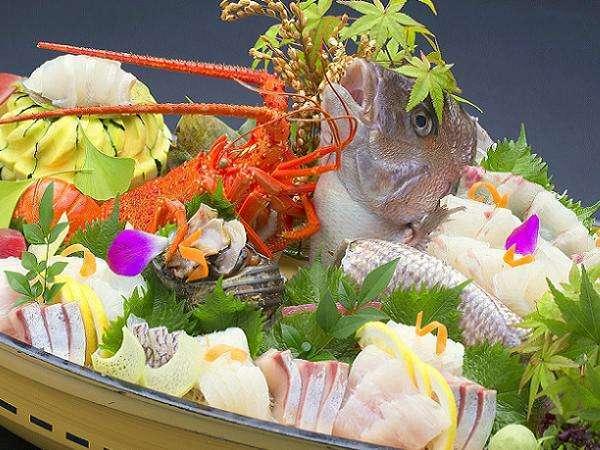 【舟盛り付きコース】 新鮮お刺身を姿造りでタップリ味わえる♪ ☆海の幸満喫プラン☆