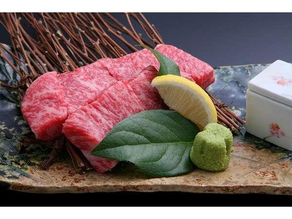 【群馬2大食材★夕食グレードアップ】「A4ランク上州牛ステーキ」と最高級ニジマス「銀光」