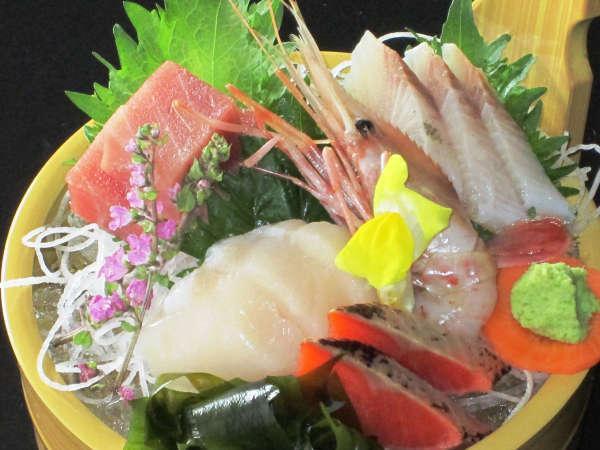 新鮮魚介を味わう★旬魚のおまかせ刺身桶盛り付きプラン!