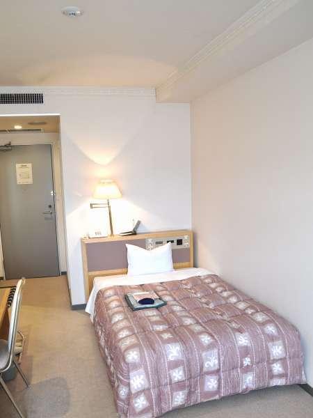 シングル室(洋室)。4階に3室あり。ゆったり広めのシングル室です。