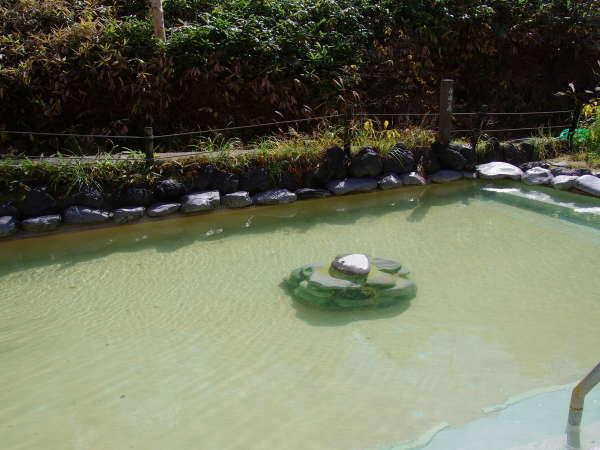 石庭露天風呂「嬬取(つまとり)の湯」※透明な温泉