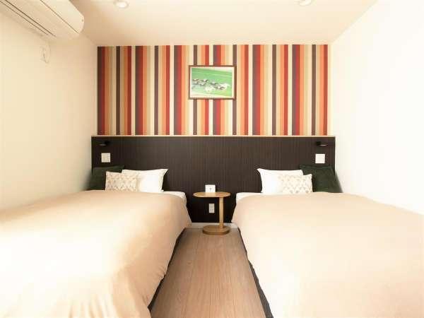 ■ツインルーム画像■ベッド幅122cm×2台のベッドは隙間なくつけることが出来ます