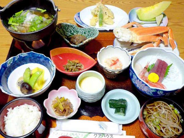 *【ご夕食一例】海の幸、山の幸をふんだんに使ったお食事をご用意いたします。