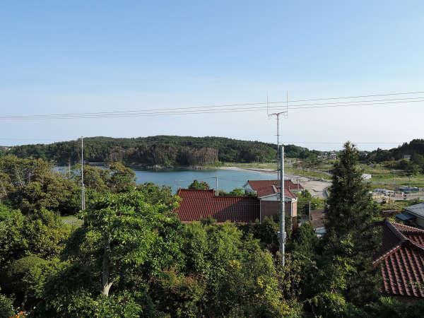 *景色/エメラルドグリーンに輝く小田の浜ビーチ