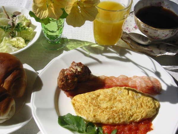 富士山を見ながらの朝食をお楽しみください。
