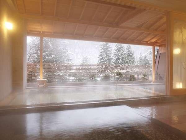 雪景色を望むひのき露天風呂