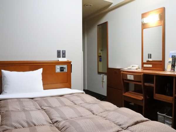 ◆スタンダードシングル◆ベットサイズはゆったり幅の140㎝。お部屋の広さは13平米です。