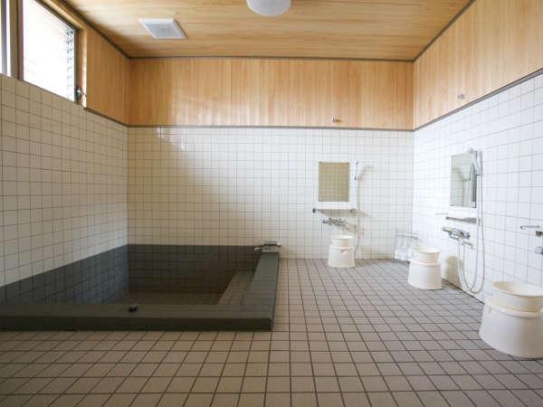 *<お風呂>大きめのゆったりとした浴槽。疲れが取れますよ♪