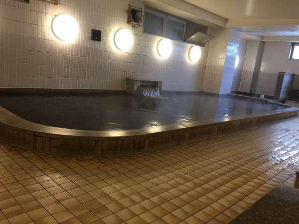 ■天然温泉大浴場:ナトリウム・炭酸水素塩泉の湯は茶褐色でお肌もスベスベ♪
