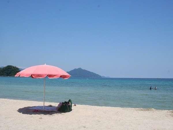 近くには、鷹巣海水浴場、三里浜海水浴場と綺麗なビーチが目白押し!