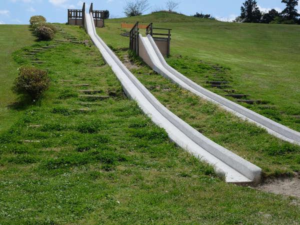 【ちびっ子広場<レクリエーション>】小さなお子様でも楽しめるロング滑り台