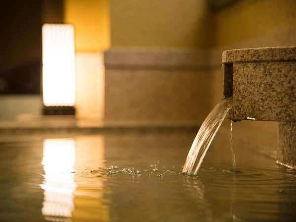 純度100%、加水・加温・循環など一切せずに源泉かけ流しでお愉しみいただけます。