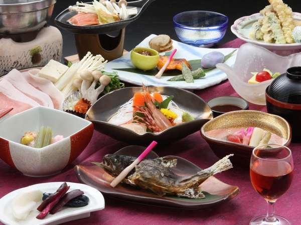 地場食材の山海の幸をふんだんに使った和食膳をご賞味下さい。