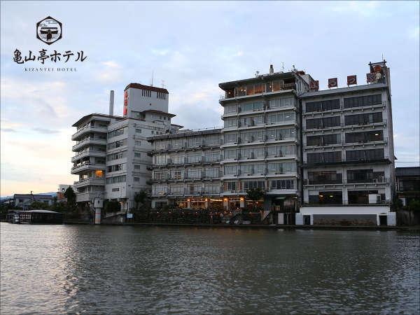 亀山亭ホテルの外観