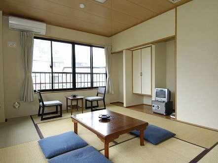 落ち着ける和室のお部屋です。