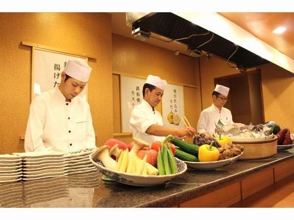 【平日限定】ちょっと贅沢にお料理ランクアップ!夕食は「個室会席膳」でゆっくりと♪ご宿泊プラン
