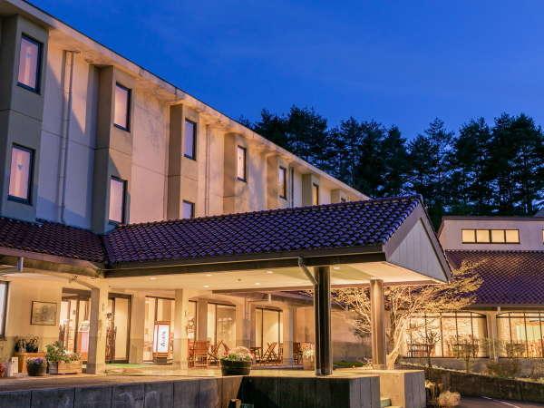 YOSHINAKA森のホテルの外観