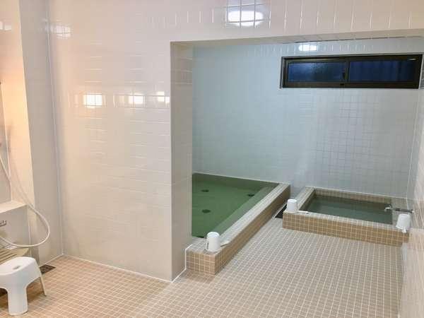 男湯内風呂・サウナ・水風呂をご用意しております。