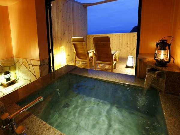 24h入浴可 貸切半露天風呂(現地予約) 二人きりで自然を満喫して過ごす特別な時間…