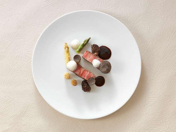 好評!ホテル自慢の夕食・朝食付 『コトシエール』