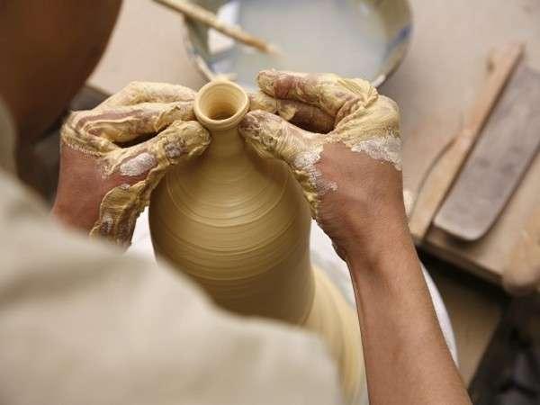 【陶芸体験付プラン】初心者向け陶芸教室で自分好みの陶器を作ろう!