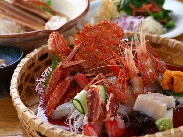 【蟹会席プラン】個室のお食事処で蟹料理に舌鼓。特別な記念日にもおすすめ/展望風呂付客室(60平米以上)