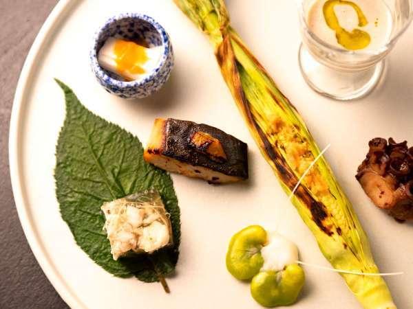 【湯相七席/七席の膳のお料理一例】一つひとつ、素材の持ち味を吟味して。