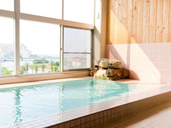 『名湯素泊り』¥3,500〜源泉かけ流し素肌すべすべ風呂