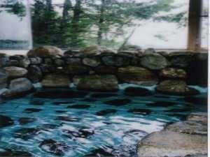 貸切風呂は1時間のご利用です。杓子山鉱泉は美肌効果アリ!