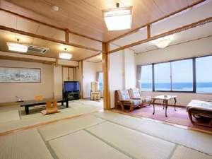 海は目前!ダイナミック・オーシャンフロントの広い和室(お部屋一例)【はまゆう】