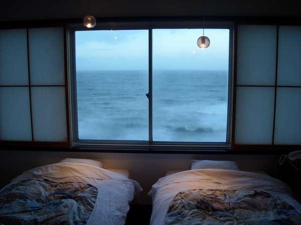 海はすぐそばに・・・(ツインベッドのお部屋一例)