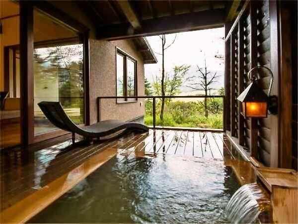白群 BYAKUGUN【離れ客室】【半露天風呂】専用の半露天風呂蓼ヶ原湿原が一望できます