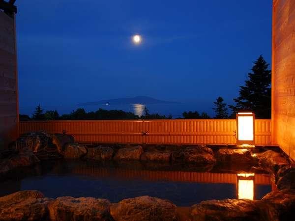 屋上の露天風呂は、貸切無料ですので、伊豆の景色を一人占め!