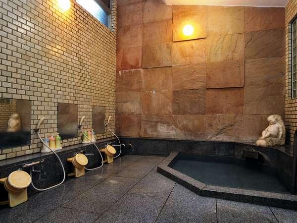 【温泉浴室:太閤湯】男性用(源泉かけ流し。定員3名程度)